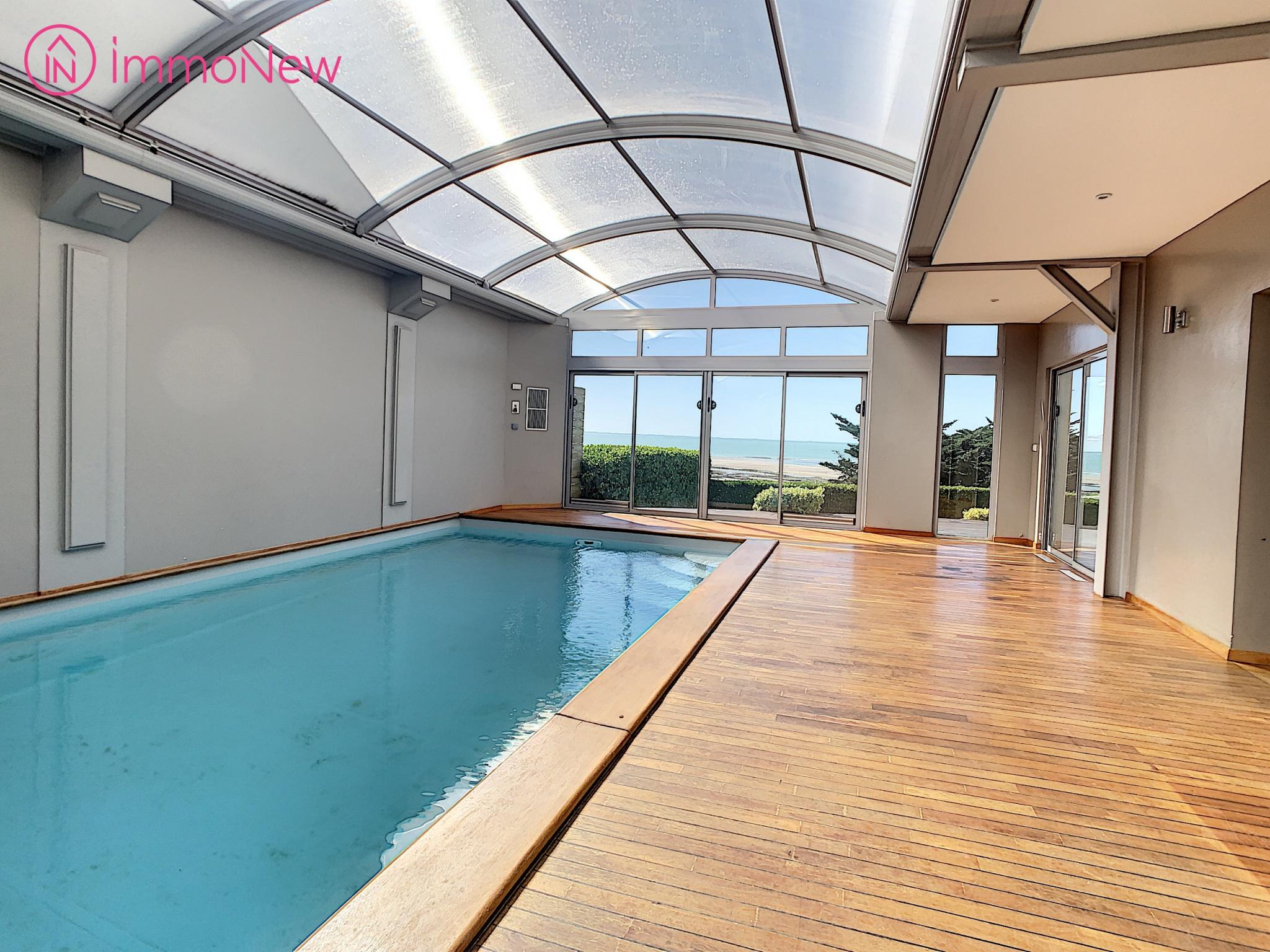Vente Villa De Prestige Vue Mer Avec Piscine Interieure